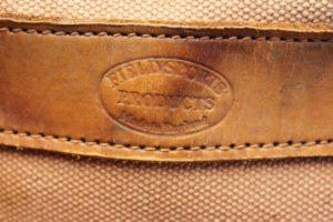 Logo auf einer Tasche abgebildet