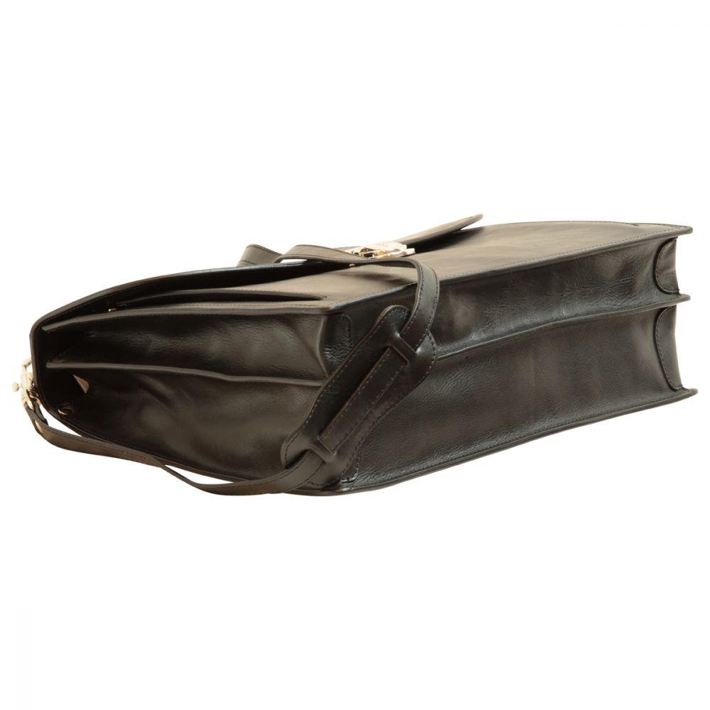 Liegende Aktentasche mit Lederschultergurt schwarz