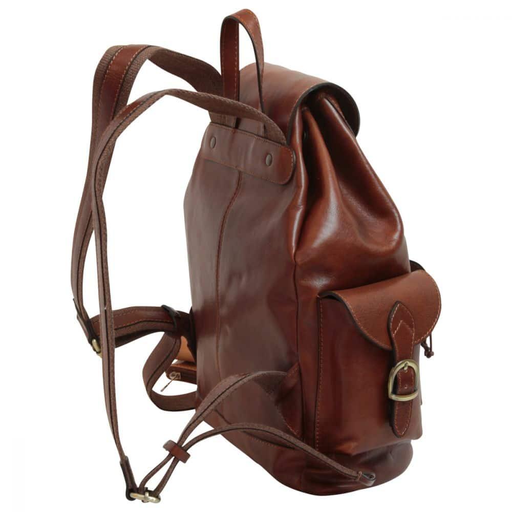Quer stehender Rucksack aus Leder
